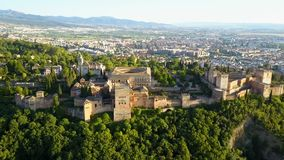 flyg- sikt Alhambra Palace på en härlig solig afton granada spain arkivfilmer