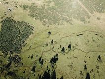 Flyg- sikt av ängen i Pyrenean, Frankrike royaltyfria foton