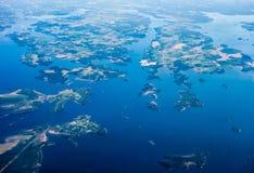 Flyg- sikt av öar på sjön Malar, Sverige Arkivbilder