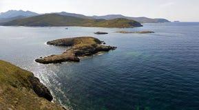 Flyg- sikt av öarna av Finocchiarola, Mezzana, en Terra, halvö av Cap Corse, Korsika Fotografering för Bildbyråer