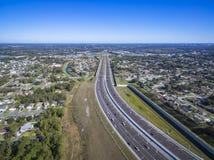 Flyg- sikt av 408 östlig västra motorväg Orlando Florida arkivbild