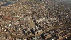 Flyg- sikt av Amsterdam med fördämningfyrkanten