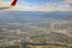 Flyg- sikt av Arcadia, El Monte, Basset, sikt från fönsterplats Royaltyfri Fotografi
