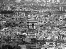 Flyg- sikt av Arcet de Triomphe i Paris Arkivbild