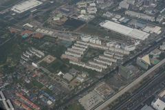 Flyg- sikt av Bangkok från flygplan Fotografering för Bildbyråer