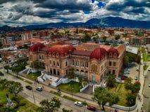 Flyg- sikt av Benigno Malo High School i Cuenca, Ecuador Royaltyfri Fotografi