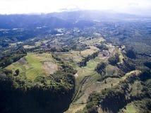 Flyg- sikt av berg i Panama arkivfoto