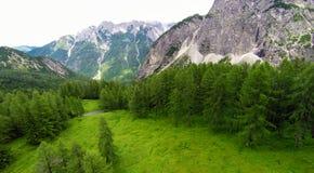 Flyg- sikt av berglandskapet, Vrsic, Slovenien Royaltyfri Foto