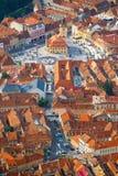 Flyg- sikt av Brasov, Transylvania, Rumänien Royaltyfri Bild