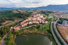 Flyg- sikt av byn i Toscana Arkivfoton