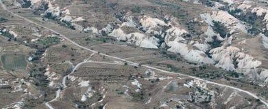 Flyg- sikt av cappadociaberget arkivfoto