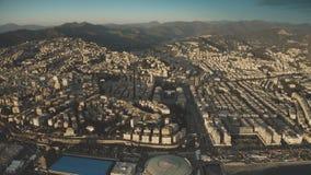 Flyg- sikt av cityscape av Genua i aftonen, Italien arkivfilmer