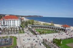 Flyg- sikt av den berömda brunnsortsemesterorten på sjösidan, Sopot, Polen royaltyfria foton