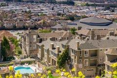 Flyg- sikt av den bostads- grannskapen, San Jose, Kalifornien Arkivfoton