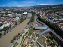 Flyg- sikt av den centrala delen av Tbilisi, fotograferad quadrocoptersdji Royaltyfria Bilder