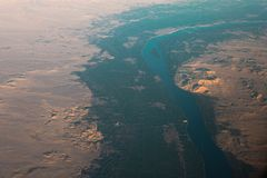 Flyg- sikt av den Egypten öknen arkivbilder