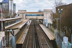 Flyg- sikt av den Feltham järnvägsstationen Arkivfoto