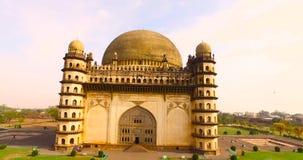 Flyg- sikt av den forntida slotten i Indien stock video