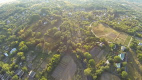 Flyg- sikt av den gamla byn i Ukraina lager videofilmer
