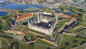 Flyg- sikt av den gamla slotten Kronborg, Danmark Royaltyfri Foto