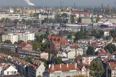Flyg- sikt av den gamla staden av Gdansk med stadshuset, Polen Royaltyfri Fotografi