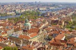 Flyg- sikt av den gamla staden i Prague, Tjeckien Royaltyfri Bild