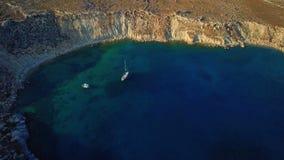 Flyg- sikt av den historiska byn Lindos på Rhodes Greece Island lager videofilmer