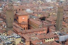 Flyg- sikt av den historiska mitten av bolognaen royaltyfria foton