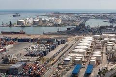 Flyg- sikt av den industriella hamnen Barcelona Royaltyfria Bilder