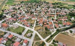 Flyg- sikt av den Kavallari byn, Grekland royaltyfri bild