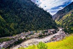 Flyg- sikt av den Kullu dalen Naggar Himachal Pradesh Norr Ind Royaltyfri Bild