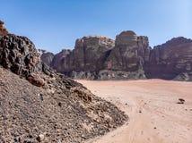 Flyg- sikt av den Lawrence våren i den jordanska öknen nära Wadi Rum Royaltyfri Foto