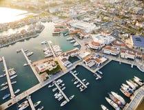 Flyg- sikt av den Limassol marina, Cypern Arkivbilder