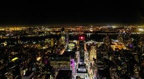 Flyg- sikt av den Manhattan ön, New York City som ses från byggnaden för väldetillstånd arkivfoton