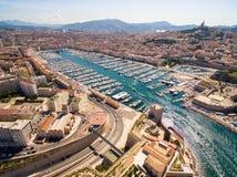 Flyg- sikt av den Marseille pir - Vieux port, helgonJean slott, a arkivfoto