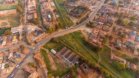 Flyg- sikt av den Morogoro staden arkivbilder