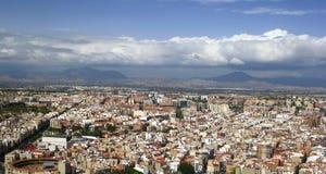 Flyg- sikt av den nordliga delen av staden av Alicante, i Spanien arkivbild