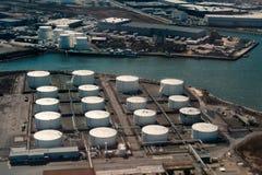 Flyg- sikt av den olje- terminalen Arkivbild