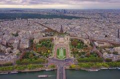 Flyg- sikt av den Paris staden och Trocadero Arkivfoton