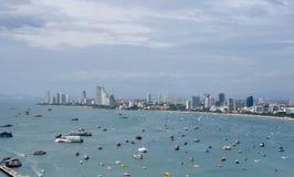 Flyg- sikt av den Pattaya hamnen i Thailand arkivbilder