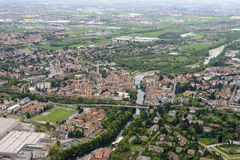 Flyg- sikt av den Ponte San Pietro byn, Orobie Royaltyfria Bilder