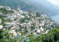 Flyg- sikt av den Positano byn på den Amalfi kusten Royaltyfri Fotografi