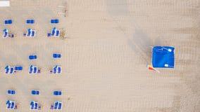 Flyg- sikt av den privata stranden Royaltyfria Bilder