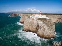 Flyg- sikt av den Sagres fyren på helgonet Vincent Cape, Algarve, Portugal Royaltyfria Bilder