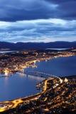 Flyg- sikt av den Tromso bron och öarna nära Fotografering för Bildbyråer