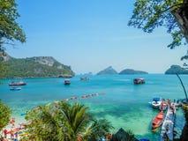 Flyg- sikt av den tropiska lagun, Angthong Marine Park, Thailand Royaltyfria Foton