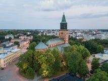 Flyg- sikt av den Turku domkyrkan arkivfoto