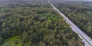 Flyg- sikt av den upptagna vägen i Sosnowiec Polen Arkivbilder