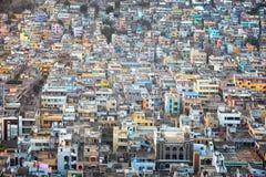 Flyg- sikt av den Vijayawada staden i Indien Arkivfoton