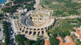 Flyg- sikt av denromare amfiteatern i den gamla staden lager videofilmer